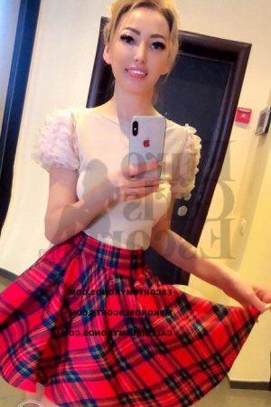 Pakize live escort in Dublin and thai massage