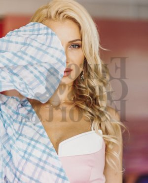 Lillya live escort in Lake Arrowhead